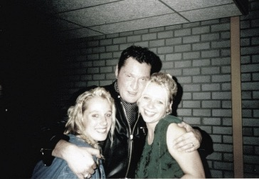Bij een concert van de Golden Earring, in de kleedkamer met Barry